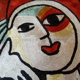 Pyntepute Dame med rød munn detaljer